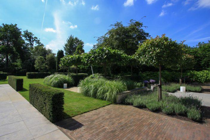 landelijk strakke tuin